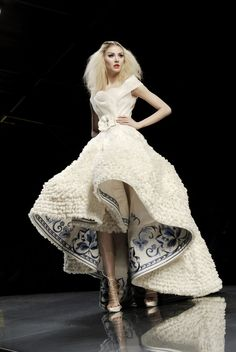 The Silk Road - At the Christian Dior Haute Couture spring 2009 show in Paris, John Galliano Dior Haute Couture, Style Couture, Couture Fashion, Runway Fashion, Christian Dior Couture, Christian Dior Gowns, Fashion Design Inspiration, Mode Inspiration, Beauty And Fashion
