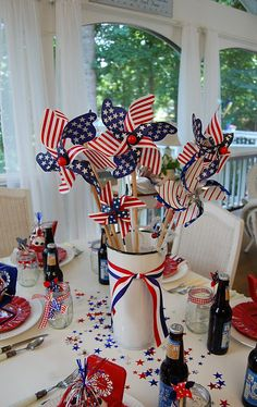 4th of July Pinwheel Table