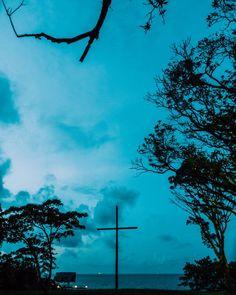 """Jesús sabía que debía morir en la cruz por ti y por mí aún así le preguntó a Dios si era posible retirar esa dolorosa tarea de su lista de vida. Estaba asustado. Era el Creador a punto de ser destruido por su más preciada  creación: el humano a quien formó a Su imagen y semejanza. Nosotros sin conocerlo lo condenamos a muerte. Y así fue. Bueno a qué voy con esto?  Es muy común que hagamos """"planes"""" tengamos """"sueños"""" y tengamos """"el anhelo"""" de que se las cosas salgan de una manera esperada. En…"""