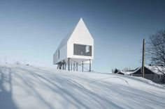 Completed in 2017 in Québec City, Canada. Images by Olivier Blouin . For the 'High House', DELORDINAIRE plays with the limit between interior and exterior, inviting people to gather in spaces immersed in nature....