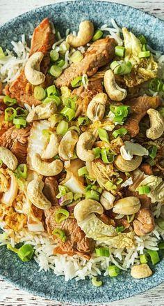 Step by Step Rezept: Putenbrust-Chinakohl-Pfanne mit selbst gemachter Teriyakisoße. Rezept / Kochen / Essen / Ernährung / Lecker / Kochbox / Zutaten / Gesund / Schnell / Frühling / 30 Minuten / Kokos / Nüsse / Reis / Laktosefrei / Geflügel / Einfach / Asiatisch / Asien #hellofreshde #kochen #essen #zubereiten #zutaten #diy #rezept #kochbox #ernährung #lecker #gesund #leicht #schnell #frühling #einfach #geflügel #kokos #30minuten #nüsse #asiatisch #asien