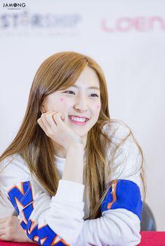 WJSN ♡ EunSeo 은서 (Son JuYeon 손주연) Busan fansign 160403 #우주소녀 부산팬싸인회 #달콤한미소