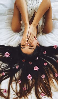 Put some #flowers in your #hair for the perfect #spring photo