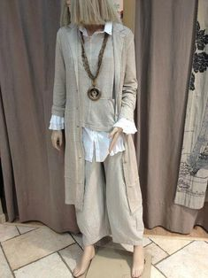 How to wear boho? Sewing patterns and ideas – Bright - Kleidung Fashion Over 50, Look Fashion, Hijab Fashion, Fashion Outfits, Womens Fashion, Cheap Fashion, Ladies Fashion, Fashion Clothes, Fashion Boots