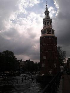 #Coincidence !? Le ciel se dégage  au-dessus de la croix du #clocher à #Amsterdam !
