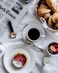 """Nana* on Instagram: """"いつかの朝食 . . . KLASSE14のページはこちらから☟ . http://klasse14.com/ja/shop/ . ご購入の際に12%OFFになるクーポンコード⇨ #life . 良かったらお使いください♡"""""""