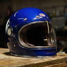 Retro Motorcycle Helmets, Retro Helmet, Vintage Helmet, Motorcycle Style, Biker Style, Motorcycle Gear, Cafe Racer Parts, Harley Gear, Cafe Racer Helmet