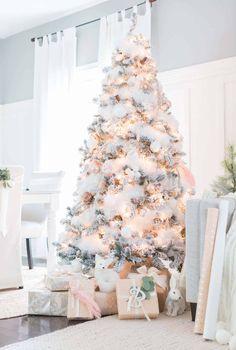 Flocked Christmas Trees Decorated, White Christmas Tree Decorations, Beautiful Christmas Trees, Diy Christmas Tree, Christmas Wreaths, Merry Christmas, White Ornaments, Xmas Trees, Christmas Bedroom
