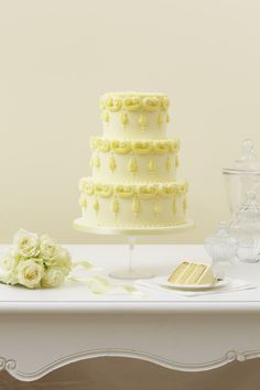 Yellow buttercream - using star and round tips