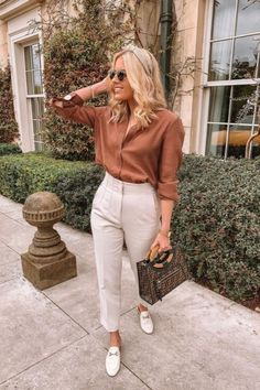Summer Work Outfits, Casual Work Outfits, Professional Outfits, Mode Outfits, Work Attire, Classy Outfits, Stylish Outfits, Fashion Outfits, Look Casual Chic