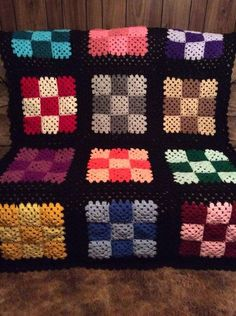 Point Granny Au Crochet, Crochet Granny Square Afghan, Granny Square Crochet Pattern, Afghan Crochet Patterns, Crochet Squares, Crochet Stitches, Crochet Bedspread, Crochet Quilt, Motifs Granny Square