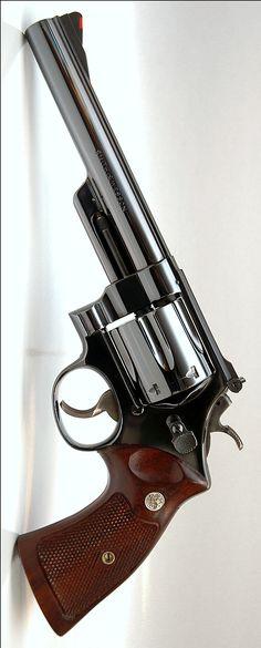 Handgun, Firearms, Rifles, Smith And Wesson Revolvers, Colt Python, Gun Art, Military Weapons, Qigong, Guns And Ammo