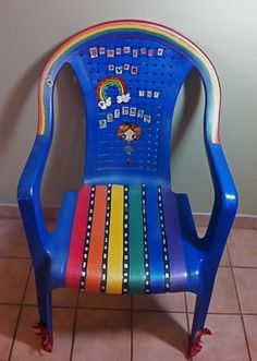 The Wizard of Oz Lawn Chair  Krylon spray paint and Modge Podge