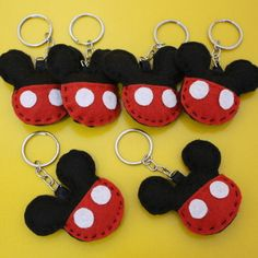Mickey Mouse Classroom, Mickey Mouse Crafts, Mickey Minnie Mouse, Theme Mickey, Mickey Party, Mickey Mouse Birthday, Animal Knitting Patterns, Felt Patterns, Felt Crafts Diy