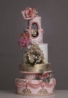 Beautiful Pink & Gold Wedding Cake