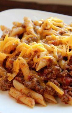 .Crock Pot Cheesy Pasta and Beef Casserole