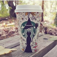 the new fall Starbucks cups with a twist 💁🏽 Arte Starbucks, Starbucks Cup Drawing, Copo Starbucks, Starbucks Cup Art, Disney Starbucks, Custom Starbucks Cup, Starbucks Logo, Starbucks Drinks, Starbucks Coffee