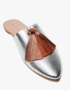 Slide from Loeffler Randall (FAV DESIGNER). Silver goatskin upper with silky Pink Clay tassel accents at vamp. Cute Shoes, Me Too Shoes, Women's Shoes Sandals, Shoe Boots, Shoes Sneakers, Beautiful Shoes, Shoe Game, Designer Shoes, Fashion Shoes