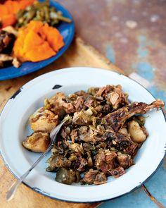 Dassiesfontein waterblommetjie bredie - go! West African Food, South African Recipes, Sierra Leone Food, Nigerian Food, Afrikaans, Gumbo, Other Recipes, Soups And Stews, Kos