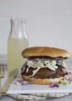 Portabella Burger [JUNE FEATURED RECIPE]