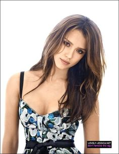 Image about beauty in Jessica Alba by Chupa Chups ♥ Jessica Alba Hot, Jessica Alba Style, Young Jessica Alba, Jessica Alba Pictures, Meagan Good, Actress Jessica, Minka Kelly, Brunette Beauty, Hollywood Actresses
