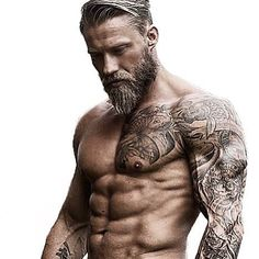 The 10 bearded mistakes to avoid to grow a beautiful beard Les 10 erreurs du barbu à éviter pour faire pousser une belle barbe The 10 bearded mistakes to avoid to grow a beautiful beard Sexy Tattoos, Tattoos For Guys, Sleeve Tattoos, Mens Body Tattoos, Viking Tattoos For Men, Small Tattoos, Forearm Tattoos, Tatoos Men, Viking Tattoo Sleeve