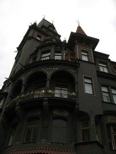 Second Empire Victorian Black house. Steampunk Architecture, Victorian Architecture, Interior Architecture, Gothic House, Victorian Gothic, Victorian Homes, Gothic Mansion, Haunted Mansion, Modern Gothic