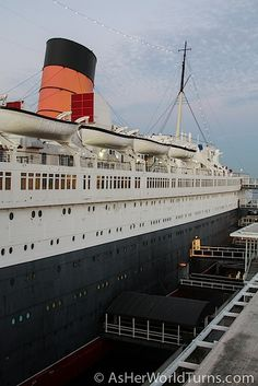 The Queen Mary in Long Beach, CA    http://www.asherworldturns.com/dinner-on-the-queen-mary/