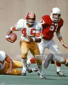 Kick returner Les  Speedy  Duncan  45 of the Washington Redskins 1972  Tackle Football c3541f5f1