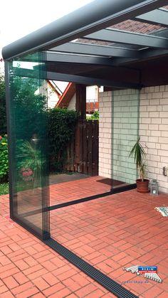 Ein Alu-Terrassendach der Marke REXOpremium anthrazit, 5m x 2 m mit VSG-Eindeckung.   Durch die Glasschiebewände wurde hier ein kompletter Kalt-Wintergarten verwirklicht. Eine Aco Drain Regenrinne sorgt für die Entwässerung.   Der wandseitige Pfosten, der regulär als 'Anschlag' für die Glasschiebewände dient wurde hier nicht verbaut.  Ort: Vettweiß-Kelz  #Terrassendach #Glasschiebewaende #Aluterrassendach #REXOpremium #REXOslide #Rexin #VSG