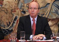El Rey acepta la renuncia de Spottorno tras el caso de las tarjetas B de Caja Madrid #realeza #royalty