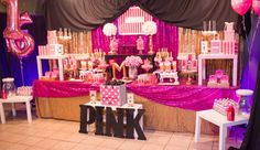 Victoria Secret Pink Birthday Party Ideas - Craft and Beauty 13th Birthday Parties, Birthday Party For Teens, 14th Birthday, Sleepover Party, Pink Birthday, Sweet 16 Birthday, Teen Birthday, Birthday Ideas, Birthday Goals