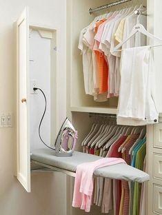Гладильную доску можно спрятать рядом со шкафом
