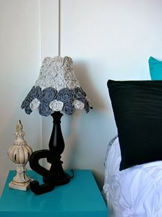 Rosette lamp shade tutorial.  My little girls need these for their rooms.