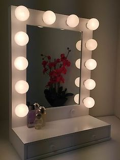 Hollywood Vogue Lighted Makeup Vanity Mirror with drawers & Dimmer White