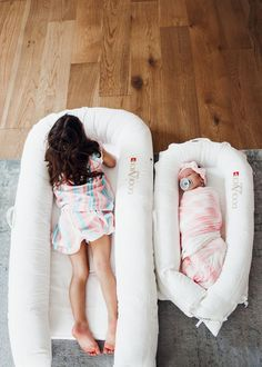 INSANELY good deal on one of our FAVORITE tried and true baby gear items - the DockAtot that you won't want to miss out on! Best Baby Carrier, Baby Wrap Carrier, Best Baby Registry, Ergonomic Baby Carrier, Baby Diaper Bags, Baby Boy, Carters Baby, Baby Girls, Baby Milestones