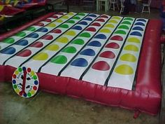 Fun game inflattable Twister..