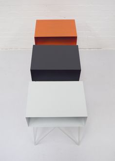 Steel Robot side table in orange
