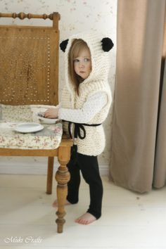 *** This listing is only a PDF PATTERN in ENGLISH and not a finished product ***  This is knitting pattern for hooded vest Sheridan. Knit this in