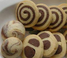 Pratik kolay iki renkli kurabiye tarifi