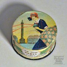 Un Air de Paris--cardboard face powder box--by Dorin, France, 1923 (perfumebottles)
