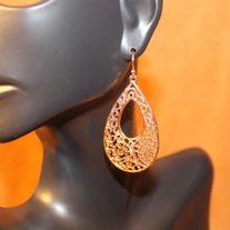 golden lace teardrop fishhook earrings. dmsstudio.storenvy.com