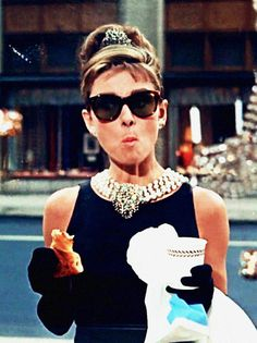 Holly Golightly, Audrey Hepburn. Breakfast at Tiffany's.