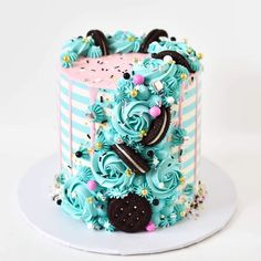 cake decorating 202521314481994366 - Source by Candy Birthday Cakes, Beautiful Birthday Cakes, Beautiful Cakes, Amazing Cakes, Pretty Cakes, Cute Cakes, Yummy Cakes, Creative Cake Decorating, Creative Cakes