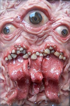 Horror Blood Guts n Gore Donnie Darko, Arte Horror, Horror Art, Horror Pictures, Creepy Dolls, Creepy Faces, Sculpture, Creature Design, Dark Fantasy