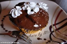 MUFFINY a lá SACHER Quesadillas, Chocolate, Muffins, Cupcakes, Pudding, Food, Gardening, Dibujo, Fine Dining