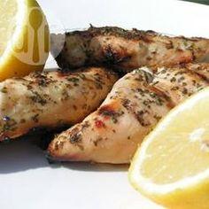 Frango grelhado ao limão e salsinha @ allrecipes.com.br - Essa receita é light, fácil, prática... todo mundo me pede a receita!