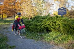 The Underground Railroad Bicycle Route is a pedal-friendly network of routes from Alabama to Ontario that traces the paths, hideouts and historic sites from the pre-Civil war years when slaves fled northward to escape bondage.