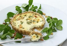 Goat Cheese Tartlets. Delicious dinner. http://www.ivillage.com/easy-party-recipes-dips-appetizers-cocktails-and-more/3-b-301675#301735