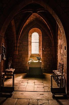 I medieval l Old Churches, Chapelle, Medieval Castle, Gothic Architecture, Place Of Worship, Old Buildings, Kirchen, Abandoned Places, Windows And Doors